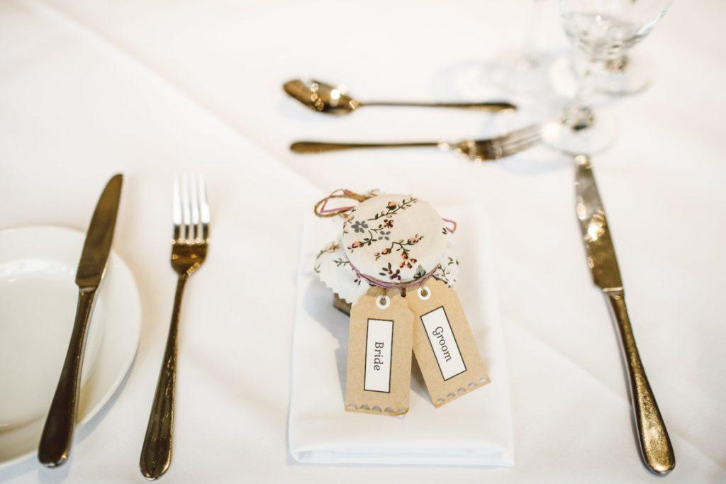 Décorer ma table de mariage étiquette